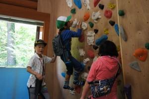 子供達が楽しめるボルダリング施設もあります